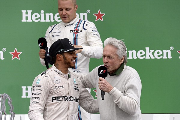 HAMILTON Lewis (gbr) Mercedes GP MGP W07 ambiance portrait - Michael Douglas podium ambiance during the 2016 Formula One World Championship, Grand Prix of Canada from June 10 to 12 in Montreal - Photo Eric Vargiolu / DPPI -