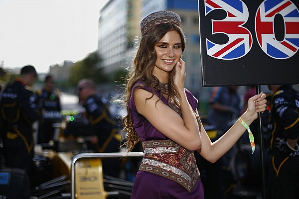 girl ambiance during the 2016 Formula One World Championship, Grand Prix of Europe in Azerbaijan from June 16 to 19 in Baku - Photo Frederic Le Floc'h / DPPI