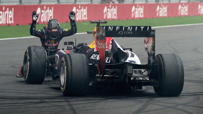 Vettel si becca una reprimenda per i