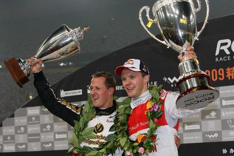 Michael Schumacher i Mattias Ekstrom   Fot. raceofchampions.com
