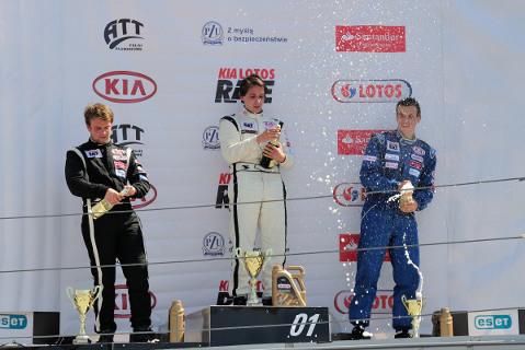 Podium wyścigu 1 | Fot. Dominik Kalamus