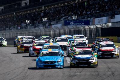 Start na Nürburgringu | Fot. WTCC