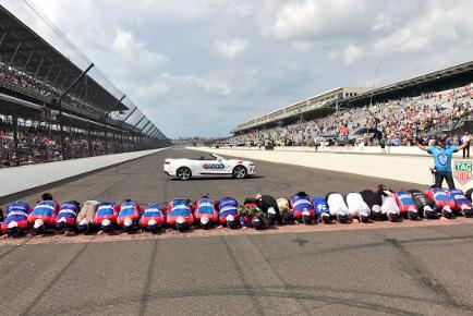 Andretti Autosport całuje cegły | Fot. Twitter
