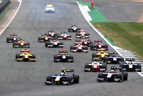 Start na Silverstone | Fot. FIA F2