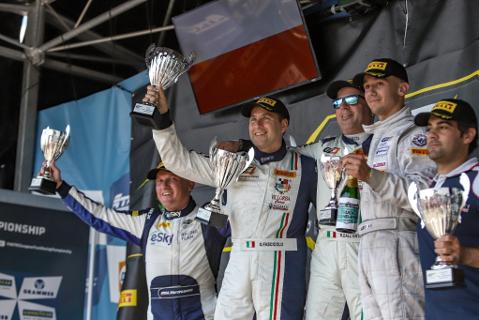Podium AM Cup   Fot. GT4