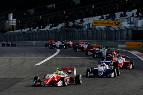 Start na Nürburgringu   Fot. fiaf3europe.com
