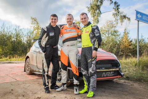 Denis Rostiłow, Raimonds Strokšs i Reinis Nitišs | Fot. Neiksans Rallysport