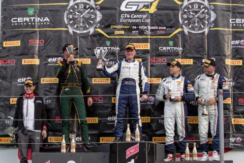 Podium w Zandvoort | Fot. GT4series.com