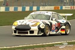 Seikel Motorsport's 911 into Red Gate corner