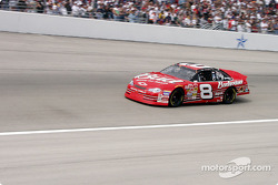Dale Jr at speed on lap 1