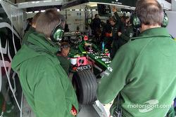 Jaguar's garage: Pedro de la Rosa