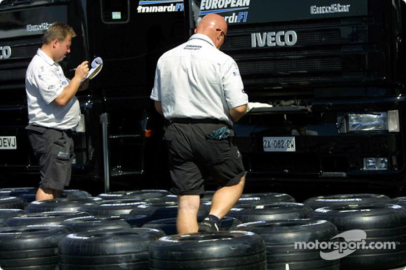 Tire preparation at Minardi