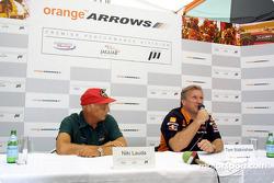 Двигун Cosworth V10 для Orange Arrows, Нікі Лауда, Том Вокіншоу