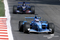 Jenson Button in front of Heinz-Harald Frentzen