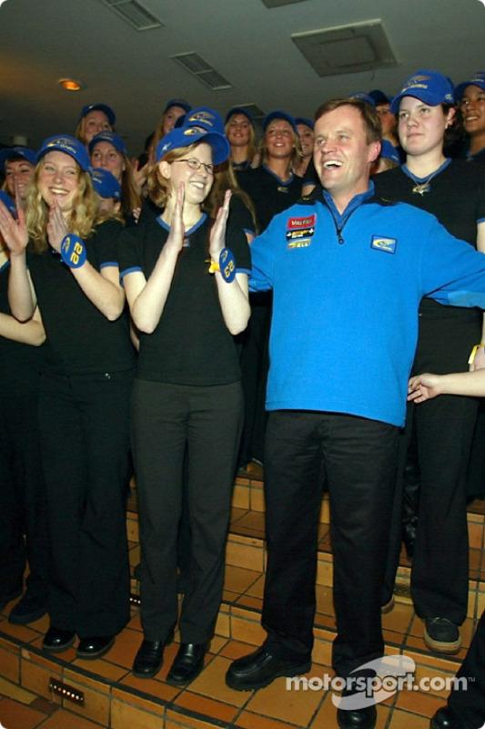 Tommi Makinen fête sa 24e victoire en WRC avec ses amis