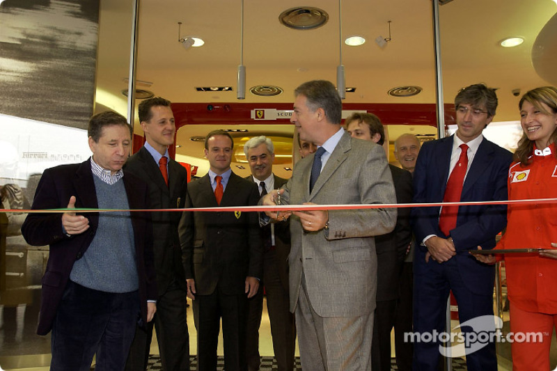 Official opening of Ferrari Store, Maranello: the ribbon cutting with Jean Todt, Michael Schumacher and Rubens Barrichello
