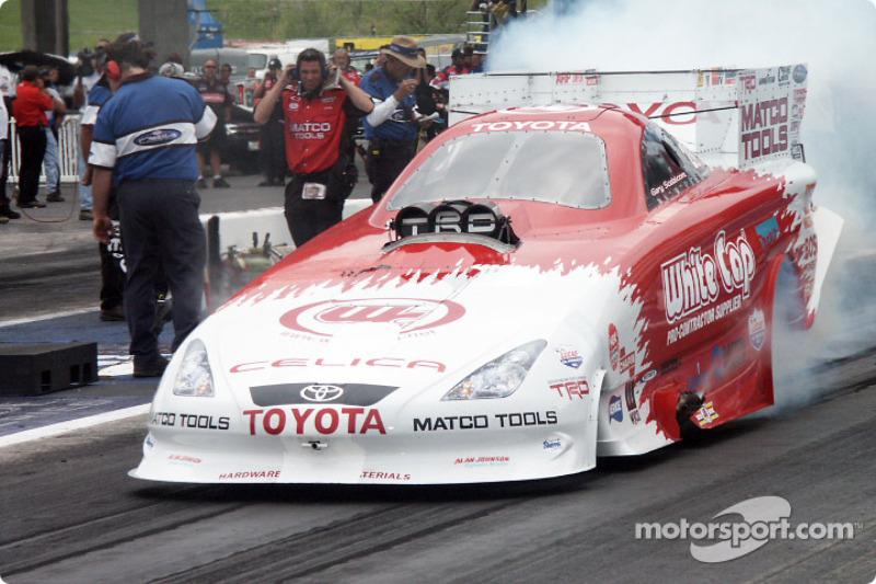 Gary Scelzi in the Toyota Funny car