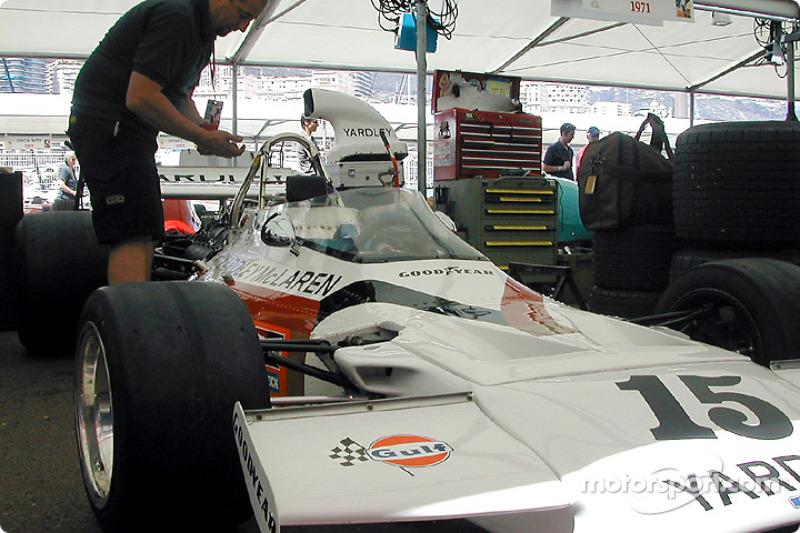 f1-2002-mon-bp-0147