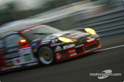 Team Taisan Advan Porsche GT3-RS