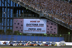 Jeff Burton leading Dale Earnhardt Jr., Sterling Marlin and the rest of the field
