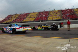 Kahne leaves for Busch qualifying, Bobby Hamilton in line for Winston qualifying