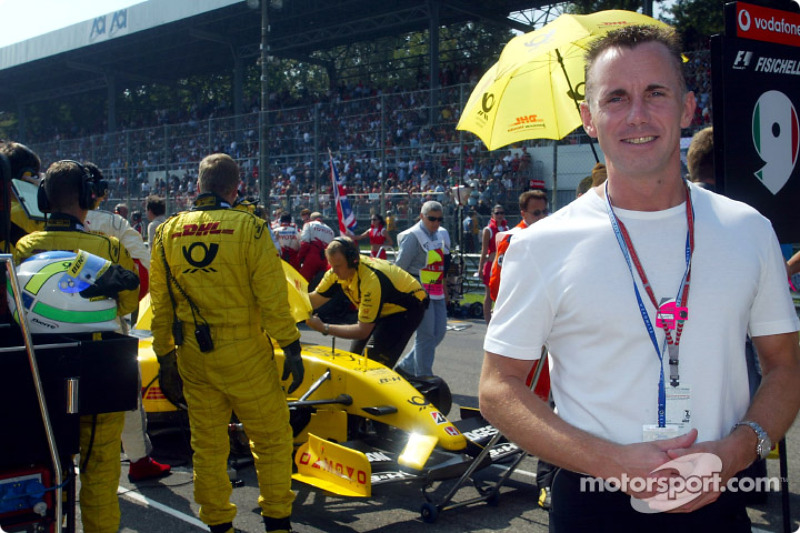 Gary Rhodes TV Chef on the starting grid