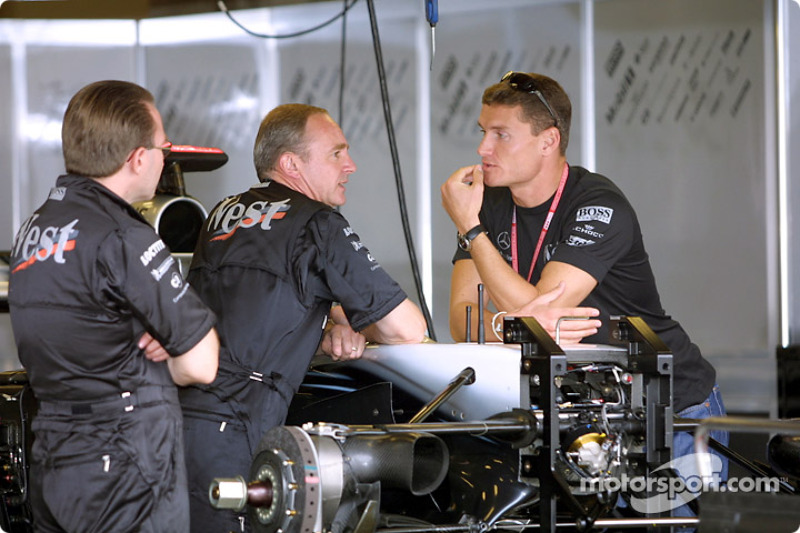 David Coulthard en el garage de McLaren