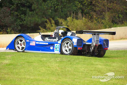 Team Bucknum Racing Pilbeam MP84 in trouble