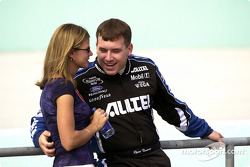 Ryan Newman discusses his qualifying set-up with his girlfriend just before taking to the track