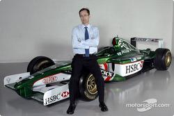 Nuevo jefe de la división de rendimiento premier de Jaguar Racing, Tony Purnell en el centro de operaciones del equipo en Milton Keynes