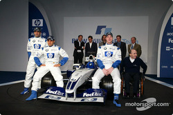 Test driver Marc Gene, Ralf Schumacher, Juan Pablo Montoya, Frank Williams and the new BMW Williams F1 FW25