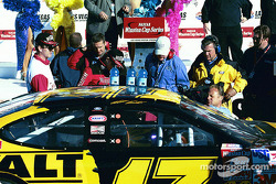 Matt Kenseth arrives on victory lane