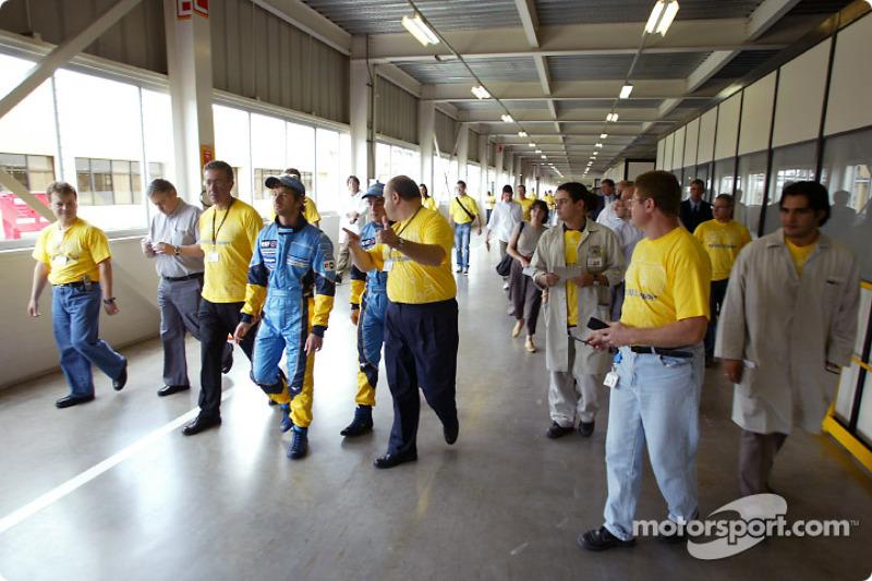 Visit of the Ayrton Senna Renault Factory in Curitiba: Jarno Trulli and Fernando Alonso