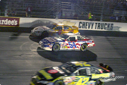 Another set of cars try going 3-wide at RIR