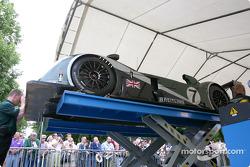 #7 Team Bentley Bentley Speed 8 at stage 2