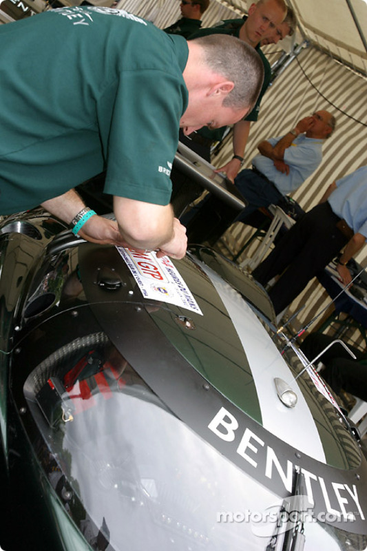 #7 Team Bentley Bentley Speed 8