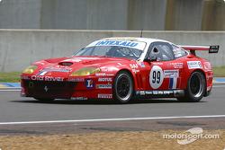 La Ferrari 550 Maranello n°99 de l'équipe XL Racing pilotée par Ange Barde, Michel Ferte, Guillaume Lesoudier en tête de la grille de départ