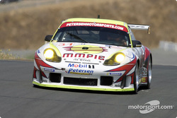 #31 White Lightning/Petersen Motorsports Porsche 911 GT3RS: Johnny Mowlem, Michael Petersen, Craig Stanton