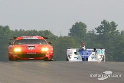 #80 Prodrive Racing Ferrari 550 Maranello: Jan Magnussen, David Brabham, and #20 Dyson Racing Team Lola EX257/AER MG: Chris Dyson, Andy Wallace