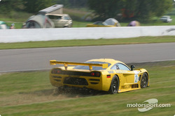 #2 Konrad Motorsport Saleen S7R: Franz Konrad, Mark Neuhaus in trouble