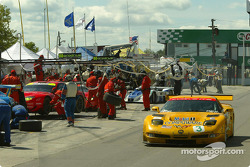 #3 Corvette Racing Chevrolet Corvette C5-R: Ron Fellows, Johnny O'Connell on pitlane