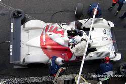 Pitstop for RN Motorsport LTD DBA4-03S-Zytek: Andy Wallace, Hayanari Shimoda
