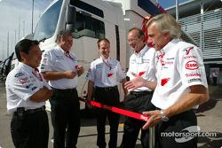 Norbert Kreyer, Gustav Brunner and Toyota team members