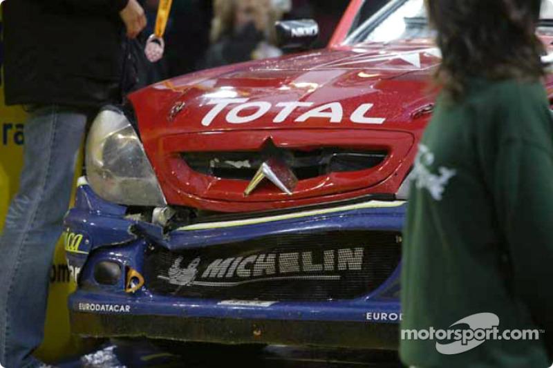 Daños en el coche de Carlos Sainz