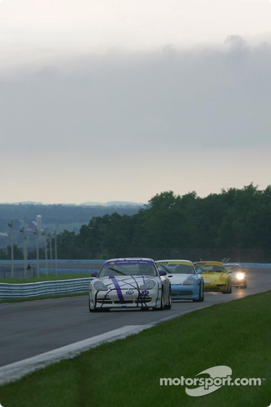 la Porsche GT3 Cup n°82 de l'équipe dds Racing pilotée par Steve Lynn, J.C. France