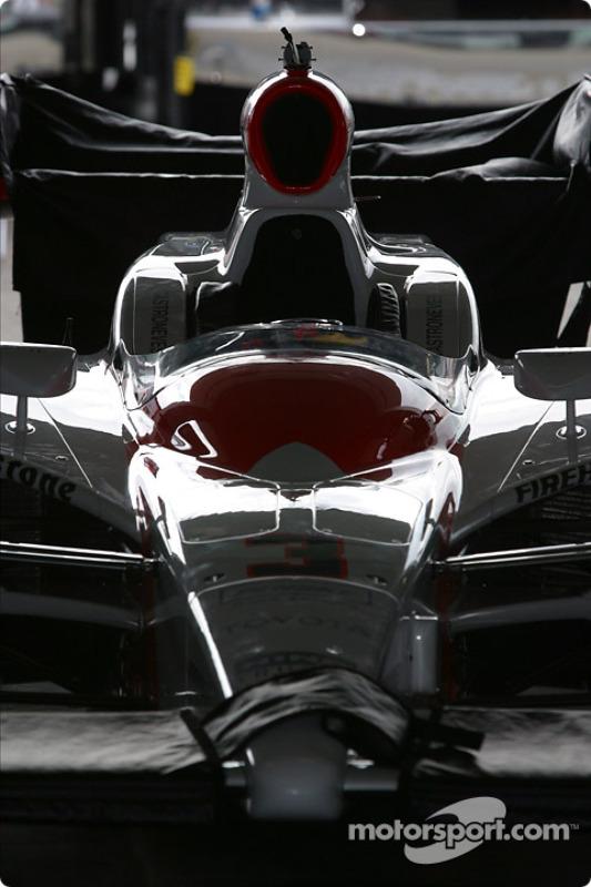 La voiture Marlboro Team Penske de Helio Castroneves