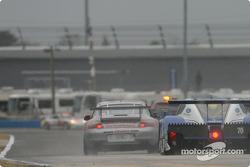 La Porsche GT3 Cup n°72 du Jack Lewis Enterprises (Jack Lewis, Edison Lluch, Tom McGlynn, Manuel Matos) et la Ford Multimatic n°70 de SpeedSource (Sylvain Tremblay, Selby Wellman, Larry Huang, Chris Hall)