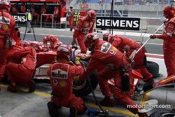 Boxenstopp: Rubens Barrichello, Ferrari F2004