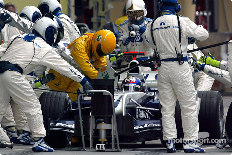 Boxenstopp: Juan Pablo Montoya, BMW Williams F1 Team, FW 26