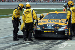 Matt Kenseth in the pit